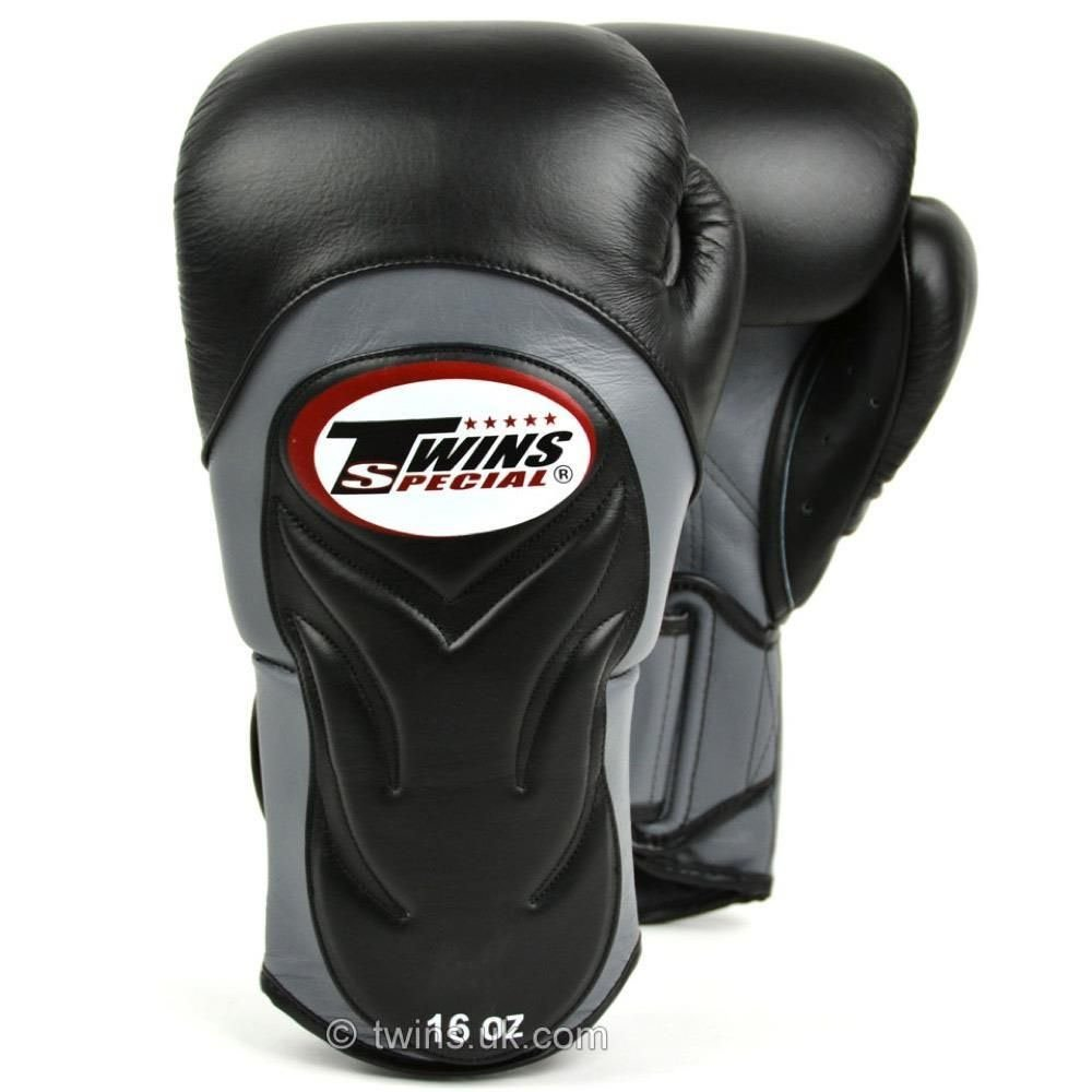 Twins Deluxe Sparring Gloves black 12oz