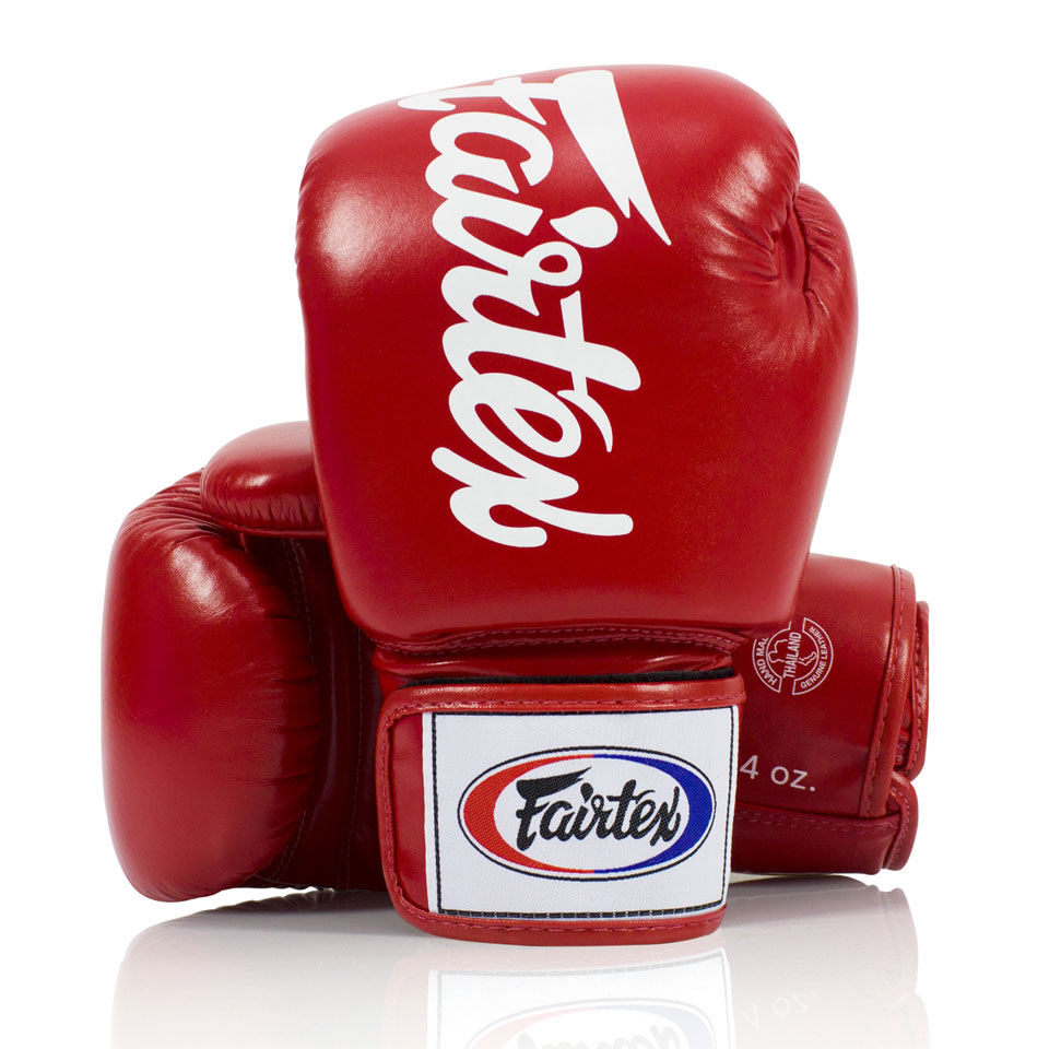 "Femmina | ""Fairtex Red Deluxe Tight-Fit Gloves BGV19 10oz"""